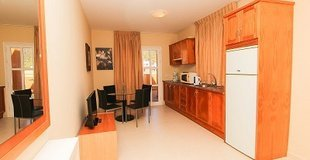 APPARTEMENT MIT 2 SCHLAFZIMMER MIT MEERBLICK (2 - 4 PERSONEN)   Coral Los Silos - Your Natural Accommodation Choice
